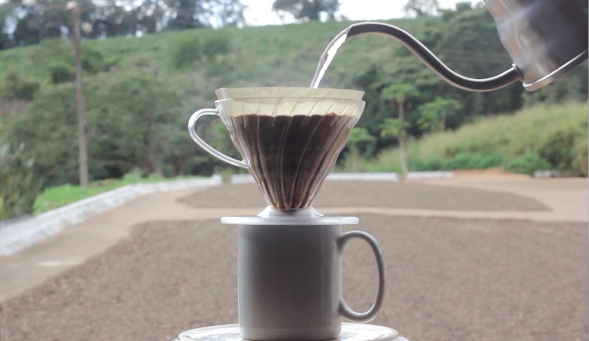 Preparando café na Fazenda Recanto - Café disponível aqui