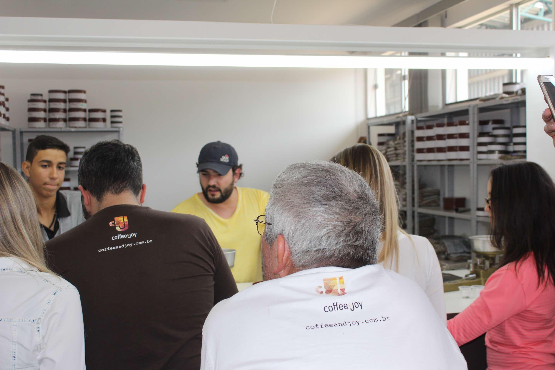 Nos Armazéns Gerais Padre Victor, Sérgio Miranda fala sobre classificação de café