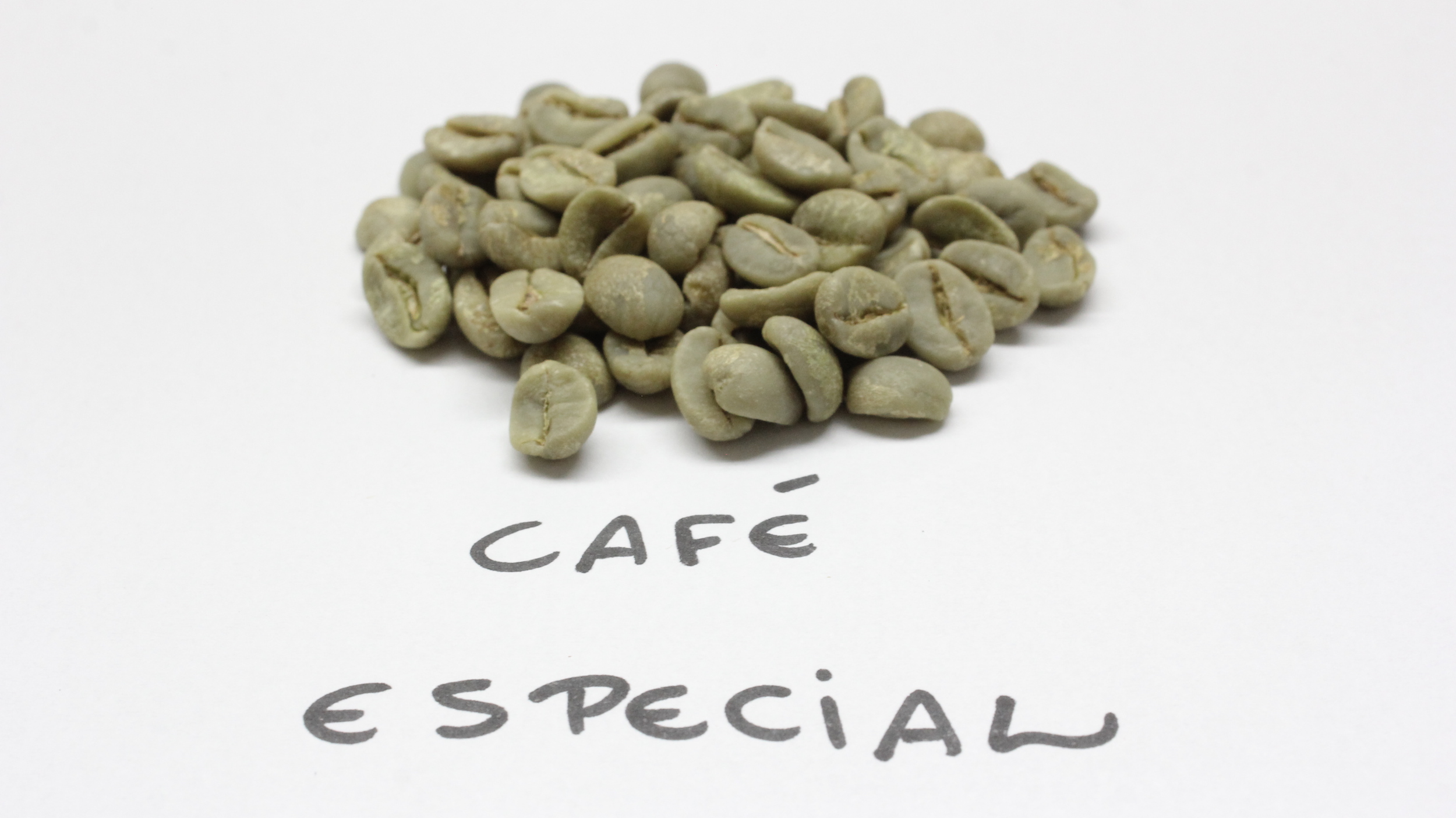 Grãos crus de cafés especiais